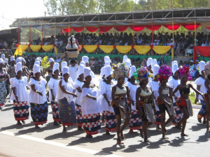 Civilian delegation participating in the national-day parade held on Burkina Faso's 50th anniversary of Independ-ence, 11 Dec. 2010, Bobo-Dioulasso, © Carola Lentz.